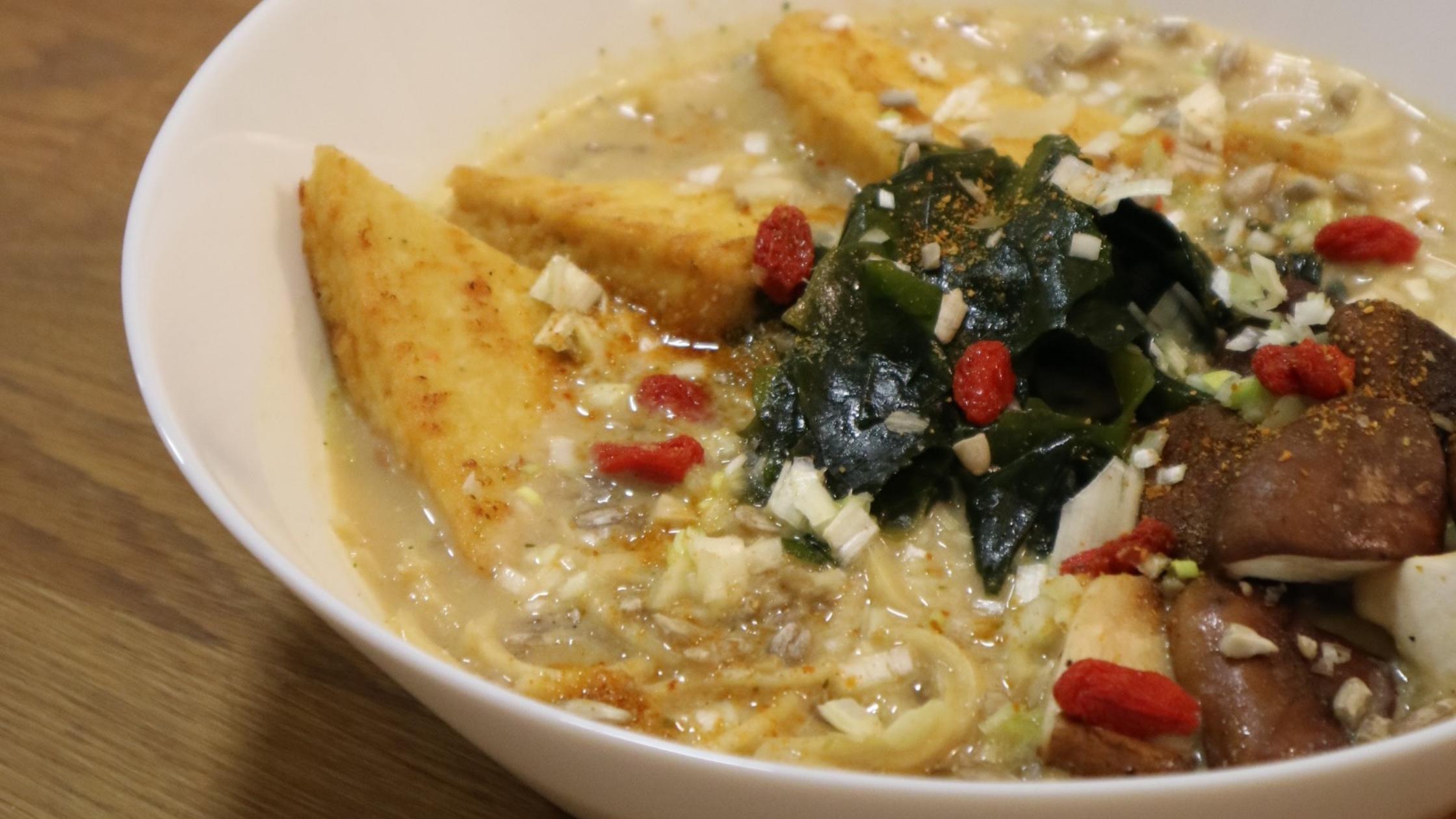 Cours de cuisine : découvrez une nouvelle recette de Ramen Vegan !